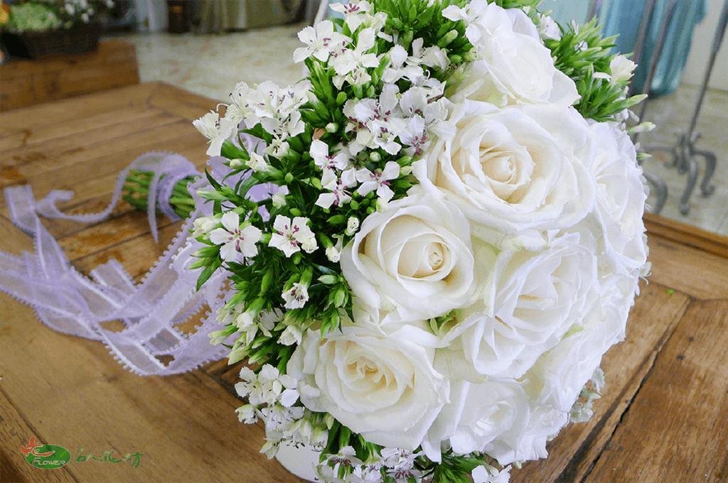 純白色的浪漫!新娘捧花最好的選擇推薦台中名人花坊|新娘捧花推薦