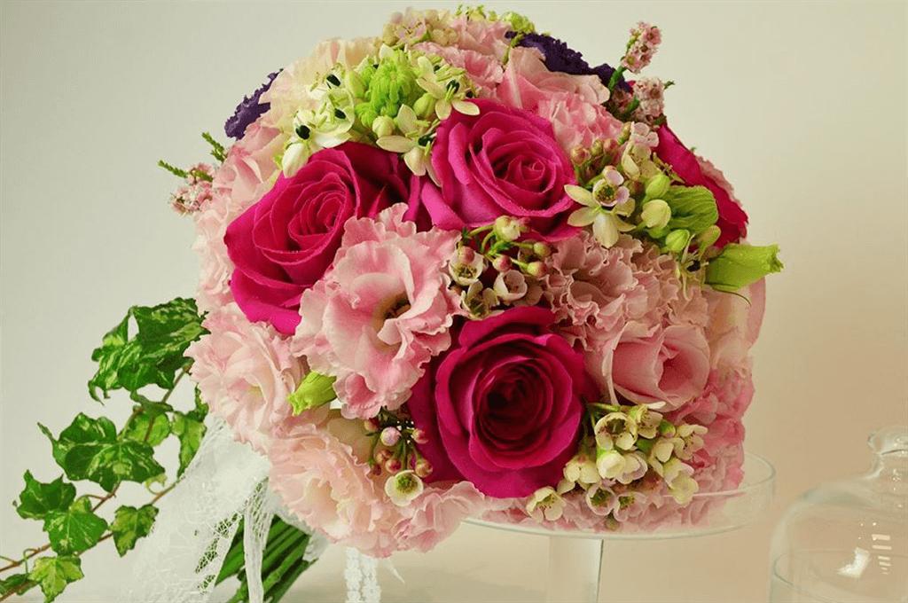 新娘捧花婚禮捧花最高品質|新娘捧花推薦名人花坊|給你最夢幻的婚禮