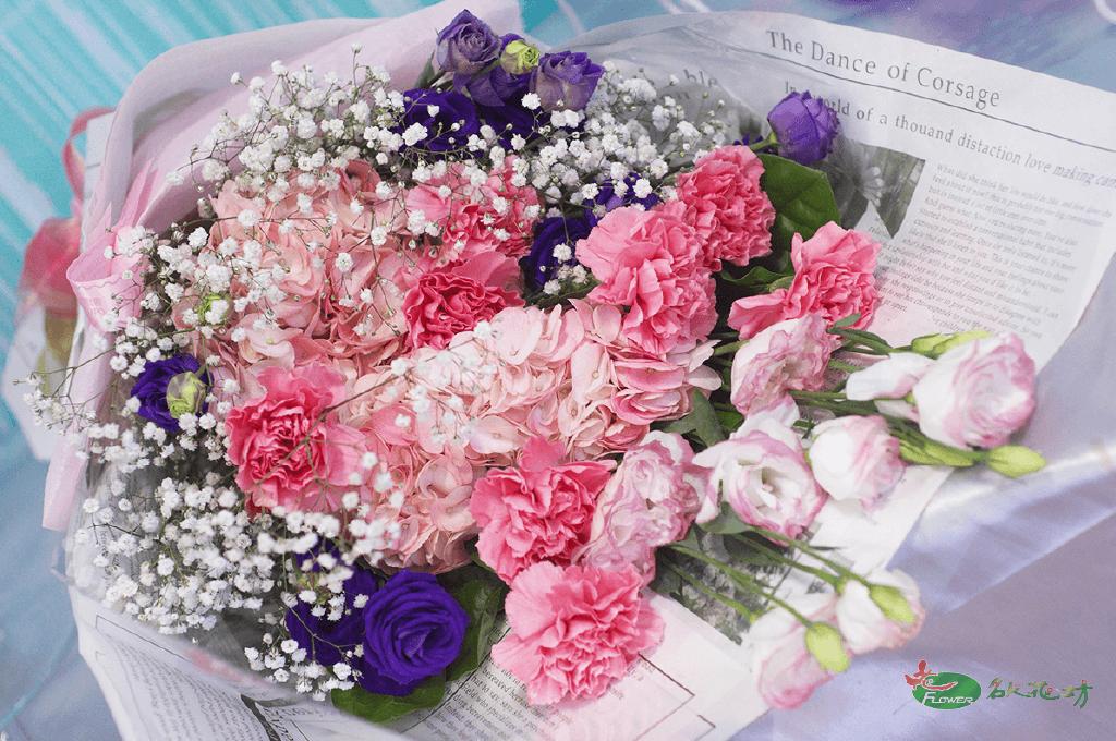 母親節精選花束|母親節送花推薦|專業優質花藝母親節首選推薦名人花坊