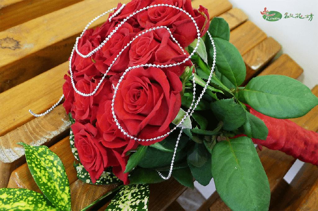 紅玫瑰婚禮捧花|最高品質婚禮花藝|選擇名人花坊|婚禮捧花推薦